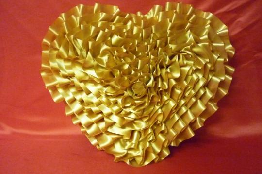 Сердце атлас золотое