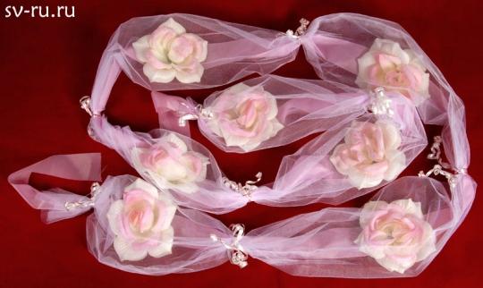 Цветы в фатине чайная роза