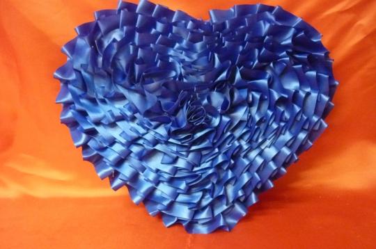 Сердце атлас синее