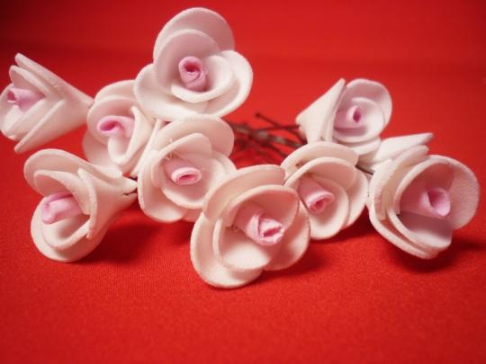Цв. на шпильке роза 2см (уп.10шт) (бел-роз)