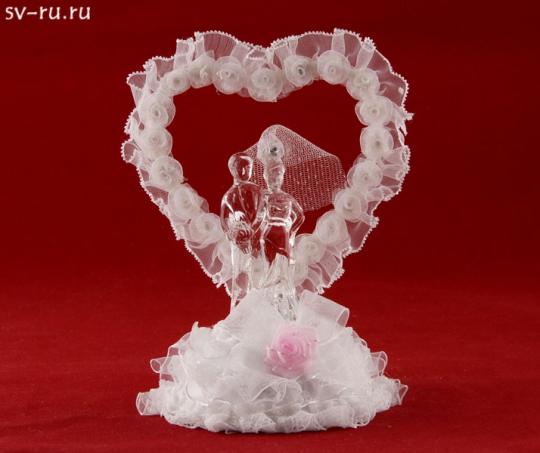 Сердце с молодожёнами из стекла с LED подсв. GM-33334