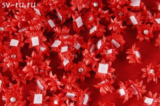 Цветы-липучки красные (упак.100шт.)