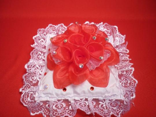 Подушечка квадратная Роза красная