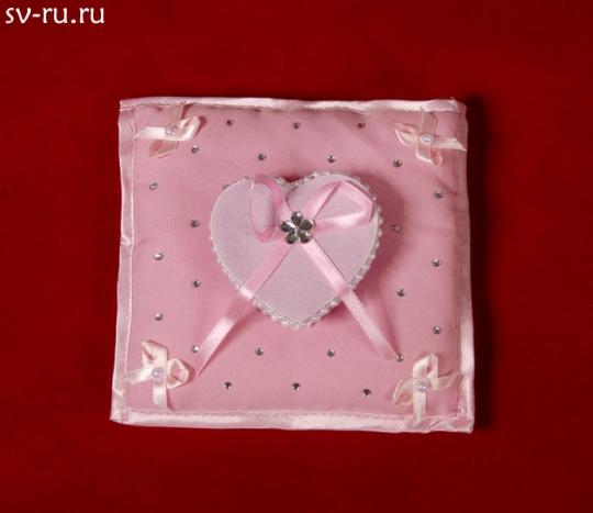Подушечка квадратная с коробочкой Сердце розовая