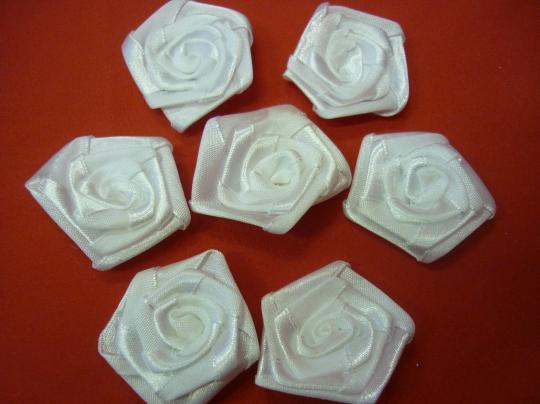 Розочка атлас белая 4см. (50шт)