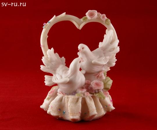 Сердце с голубями из полистоуна MR-38444
