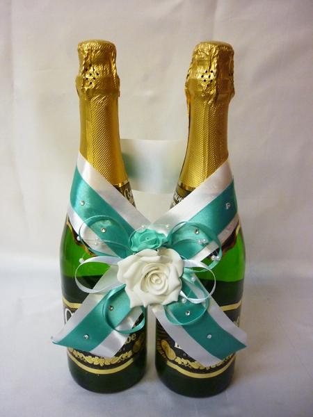 Украшение на шампанское №1 св.зелёное-белое