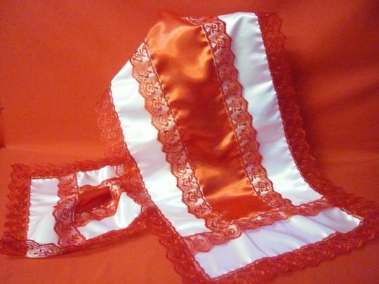 Рушник атлас красный