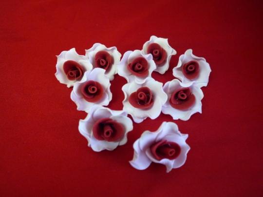 Лилия 2.5см бело-красная (10шт)