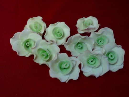 Лилия 2,5см бело-тиффани (10шт)