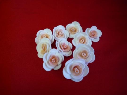 Роза 3см бело-персиковая (10шт)