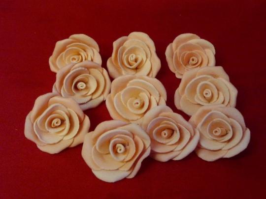Роза 4см персиковая (10шт)