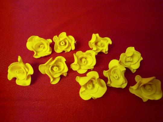 Лилия 1.5см жёлтая (10шт)