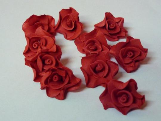 Лилия 2,5см красная (10шт)
