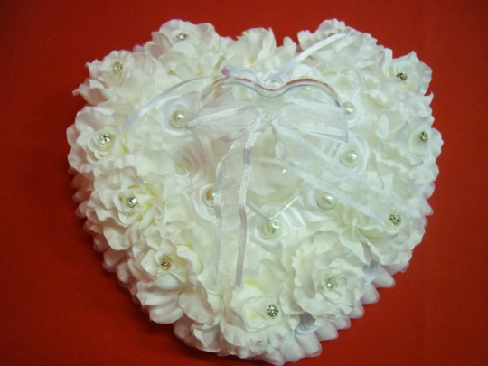 Подушечка для колец в виде сердца бел. ZG-24408 21*11*12см
