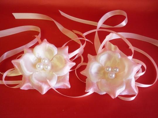Бутоньерка для подружек №1 розовая (2шт)