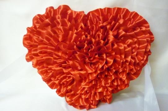 Сердце атлас красное
