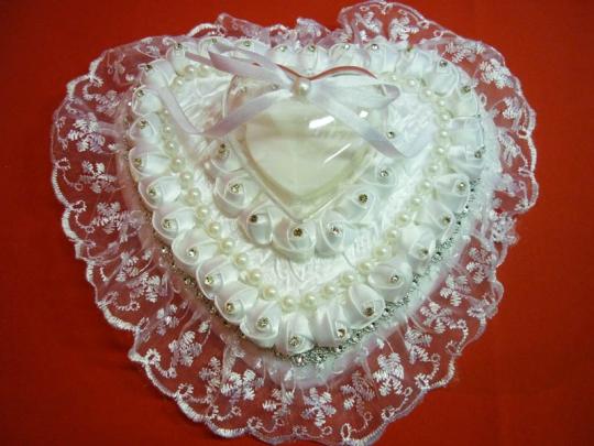 Подушечка для колец в виде сердца бел. ZG-24414 21*11*12см