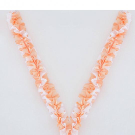 Рюшь на а/м объёмная атлас персик-белая
