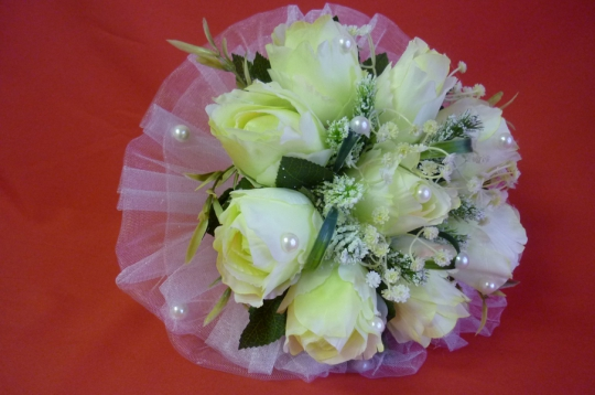 Букет Роза жемчуг бел