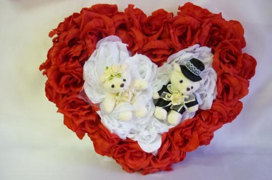 Сердце с мишками красно-белое