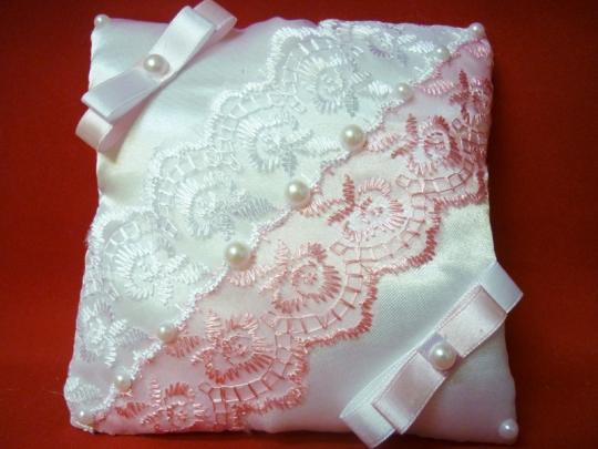 Подушечка Инь Янь бело-розовая