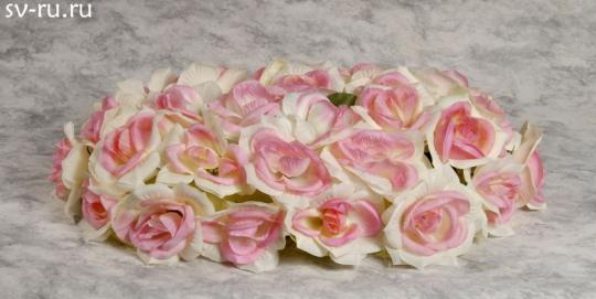 Букет на а/м малый (чайная роза)
