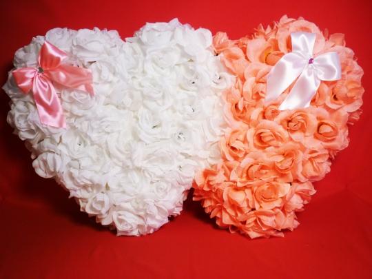 Сердца на а/м  бело-розовые
